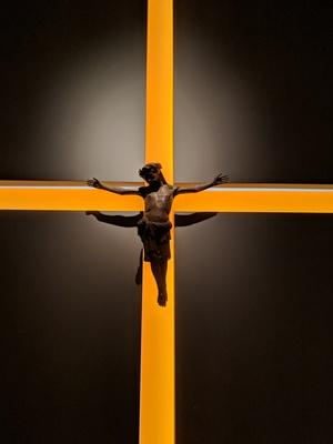 Jesus am lichtkreuz